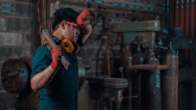 High Temperatures Increase Workers' Injury Risk, Whether They're Outdoors or Inside
