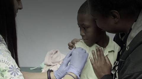 Flu Vaccine Reduces Hospitalizations for Pneumonia