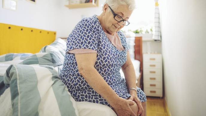 Why Do Patients with Knee Osteoarthritis Experience Changes in Pain?