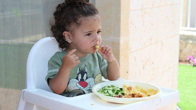 A Brief Pilot Intervention Enhances Preschoolers' Self-Regulation & Food Liking