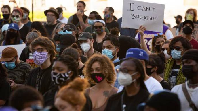 Staying Healthy Mentally & Physically While Protesting During a Pandemic