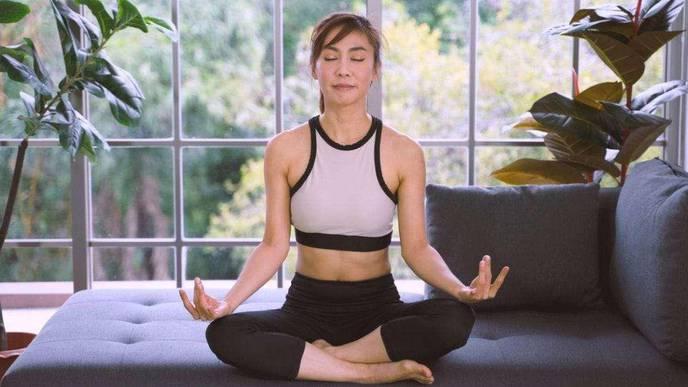 Yoga & Meditation Found to Reduce Chronic Pain & Depression